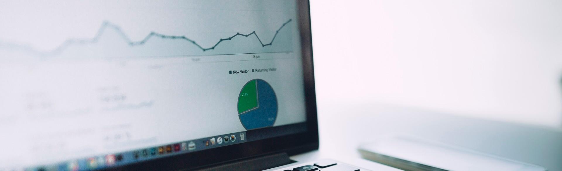 Un ordenador ejecutando Google Analytics