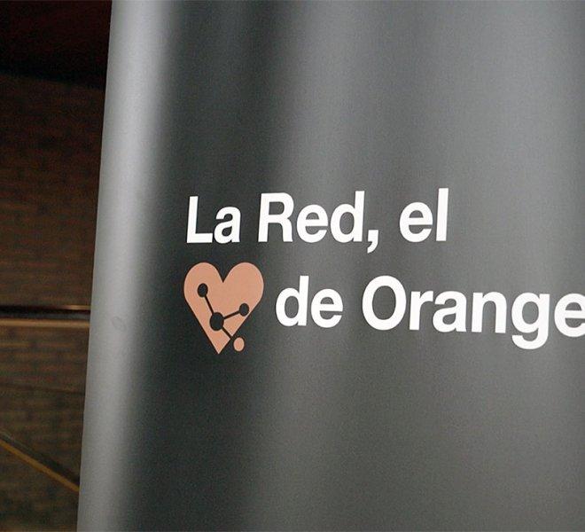 Orange-_-Holograma-_-Orange-Network-Fashion-Week-2018_07